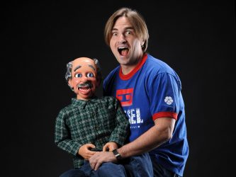 robert-og-ventriloquist-dummy